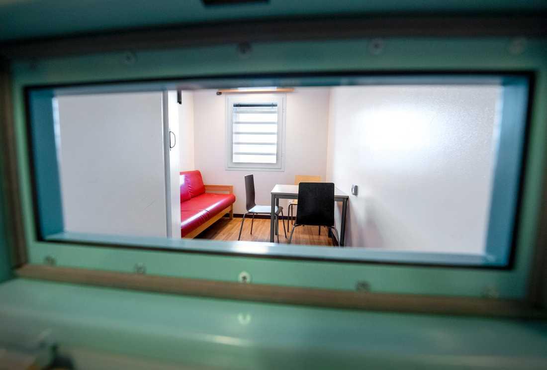 Regeringen föreslår en rad förändringar för att lätta på de hårt kritiserade häktningsreglerna i Sverige. Arkivbild.