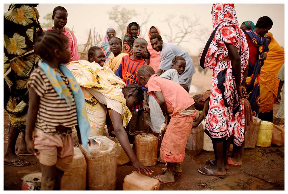 Flydde oljekriget  Oljekriget i Sydsudan drev hundratusentals människor på flykt och Lundin Petroleum pekades ut som en av de ansvariga. Många aktieägare övergav företaget, men inte SPP, som i stället investerade. Detta ogillas av SPP-kunden Läkare utan gränser, som var en av hjälporganisationerna på plats i Sydsudan.