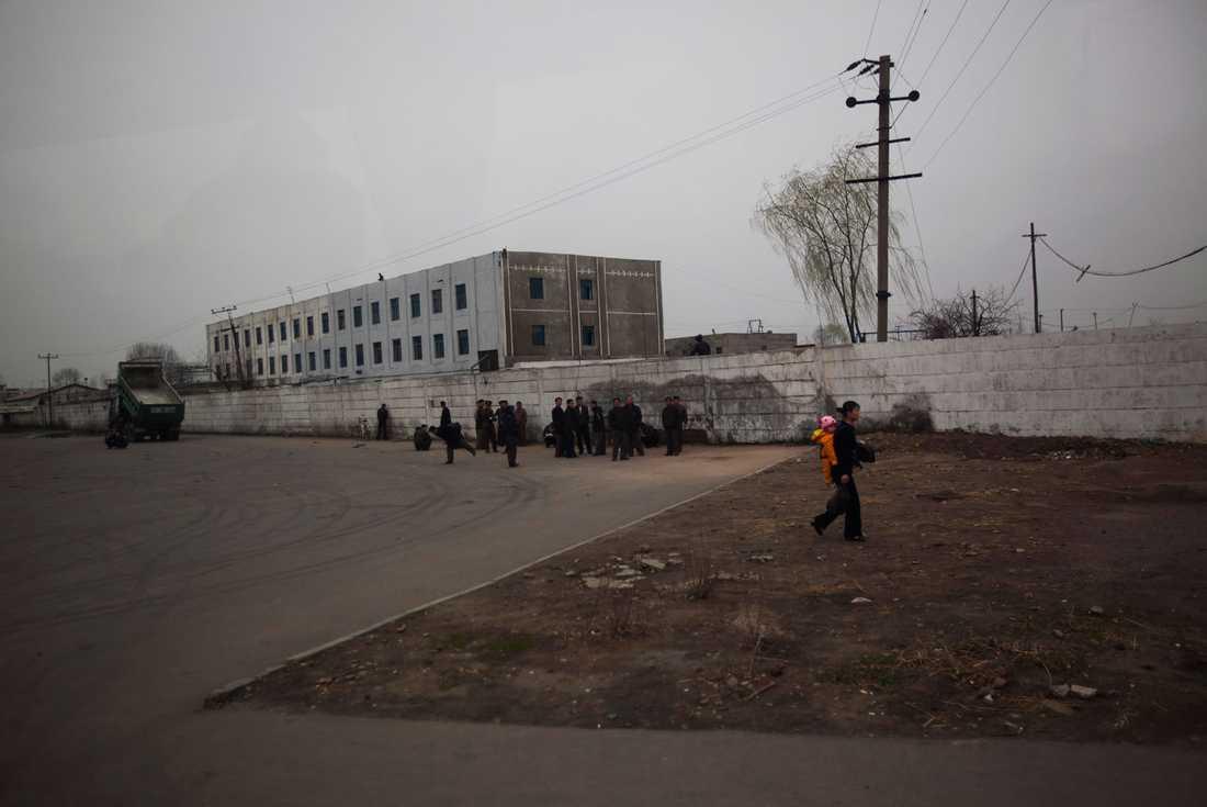 Grått och påvert i Nordkoreas huvudstad Pyongyang.