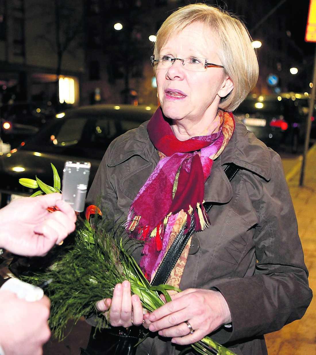 GJORDE ETT TRIANGELBYTE LO-ordförande Wanja Lundby-Wedin har varit i blåsväder tidigare för sina lägenhetsaffärer. 2004 avslöjades att hon fått en 160 kvm stor våning genom fackliga kontakter och ett triangelbyte.