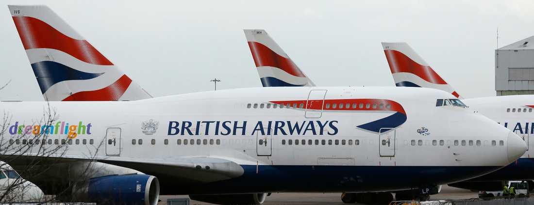 Flygbolaget British Airways flygplan parkerade på flygplatsen Heathrow i London. Arkivbild.