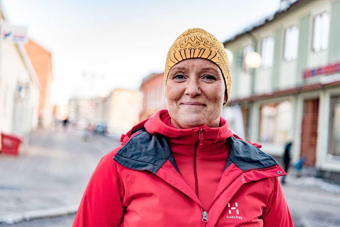 """Har det blivit varmare i Kiruna under din livstid? """"Ja, vintrarna kommer senare nu för tiden. Ibland är det till och med snöfritt första advent. Och kanske är det mer regn på somrarna,"""" säger Nina Jatko Töyrä, 47, lärare, Kiruna."""