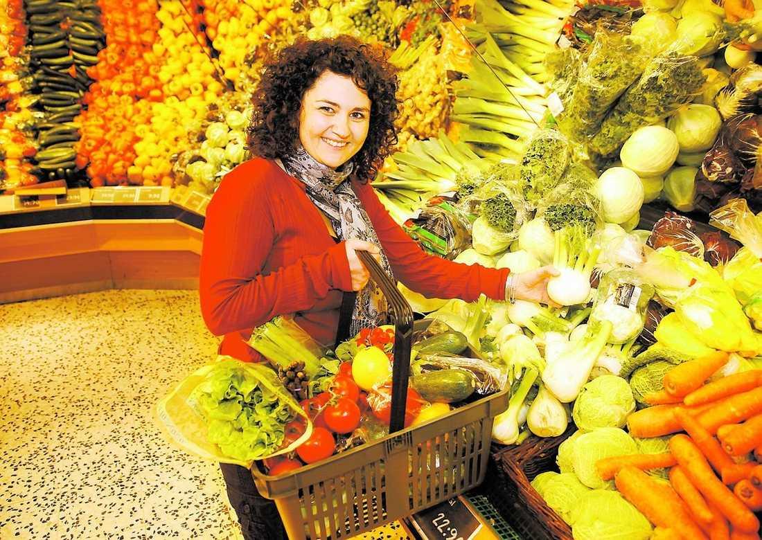 tappade 7 kilo Tina Bergdahl var inte med i undersökningen som nämns i artikeln, men lyckades i fjol gå ner 7 kilo genom att bland annat äta mer grönsaker.