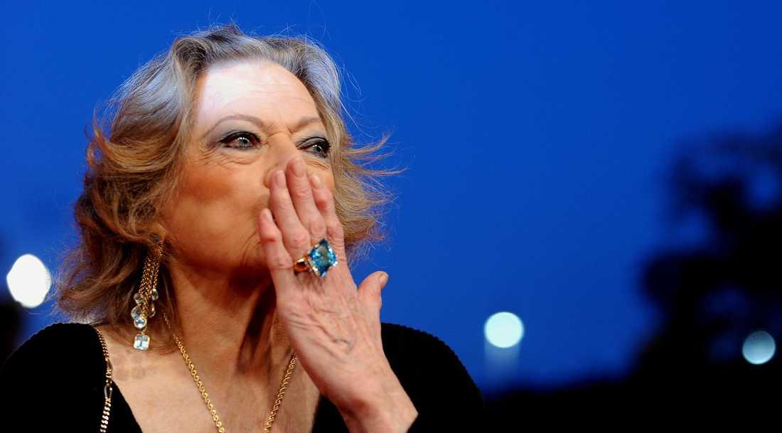"""Anita Ekberg anländer till Roms filmfestival januari 2010 till premiären av den digitalt omklippta versionen av """"La Dolce Vita"""""""