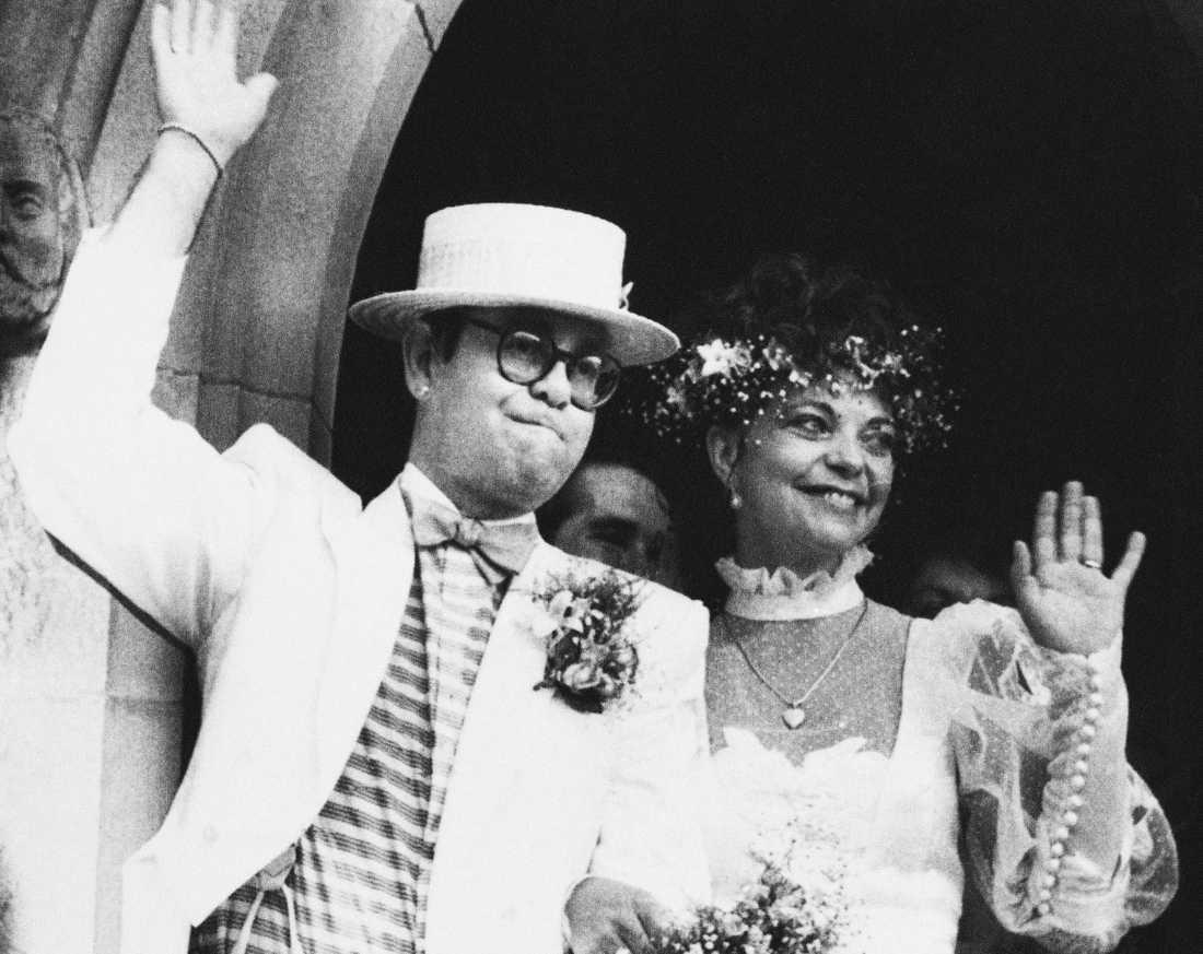 Elton John och Renate Blauel vid bröllopet 1984. Arkivbild.