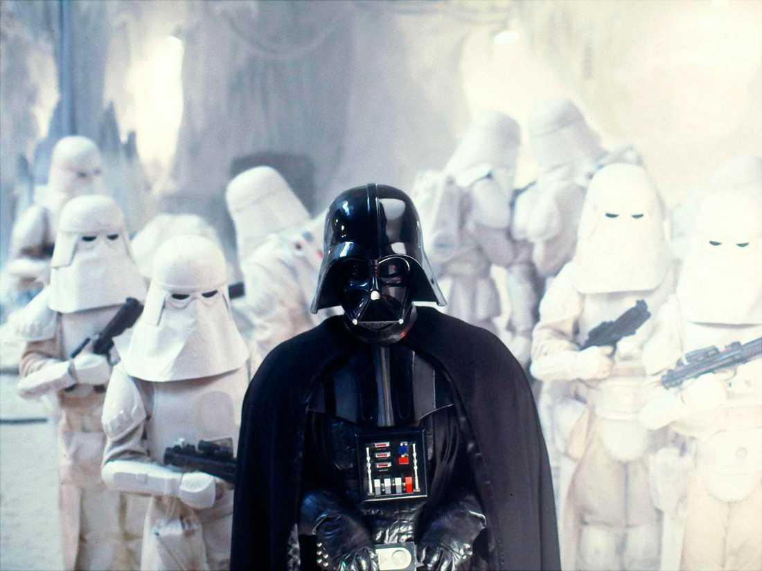 """Darth Vader under attacken mot rebellernas högkvarter på snöplaneten Hoth i """"Episod V: Empire strikes back""""."""
