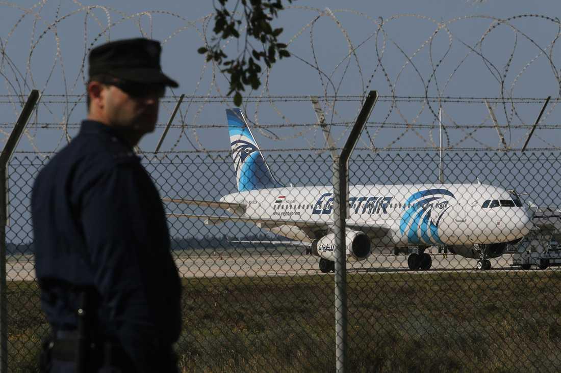 Tidigt i morse kapades det egyptiska inrikesplanet med 81 passagerare ombord.