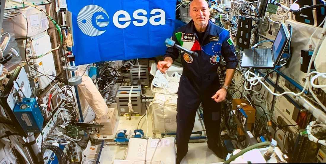 Den spanske astronauten Luca Parmitano ombord på den internationella rymdstationen ISS.