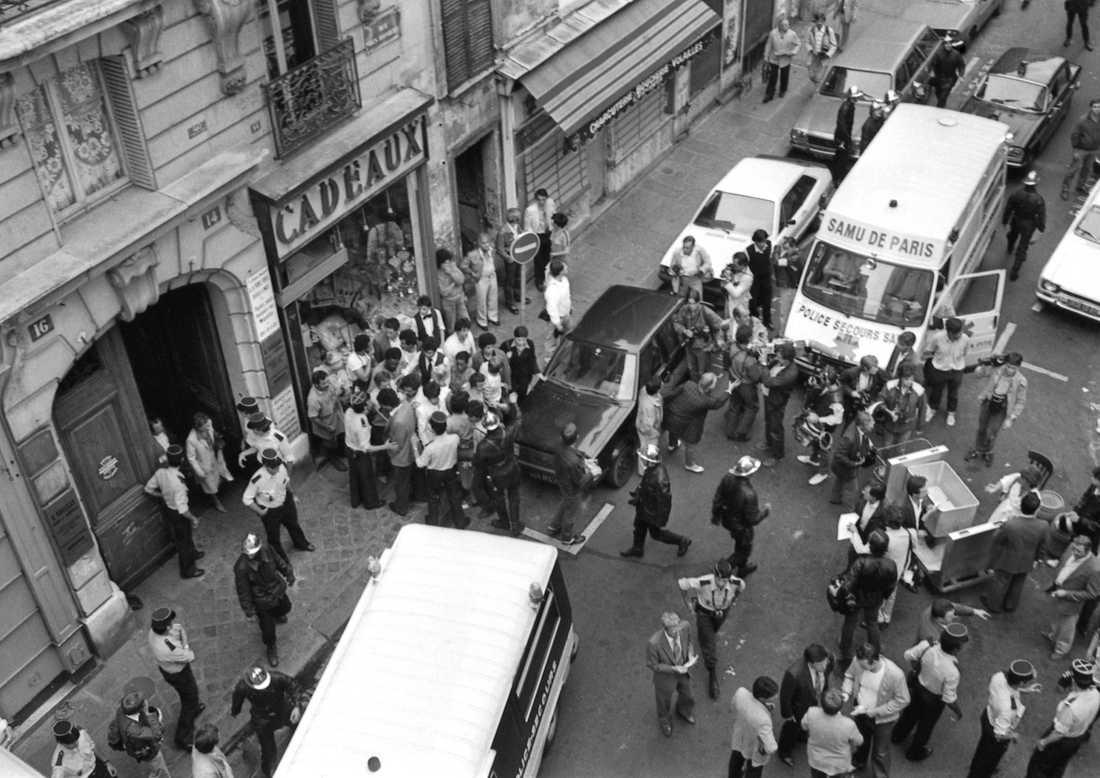 Skeenden utanför Chez Jo Goldenberg i Parisstadsdelen Marais, strax efter attacken den 9 augusti 1982. Arkivbild.