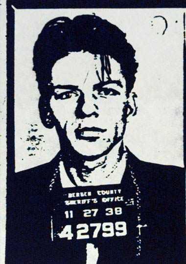 Frank Sinatra Sångaren greps i New Jersey 1938 för att ha haft ett förhållande med en gift kvinna.