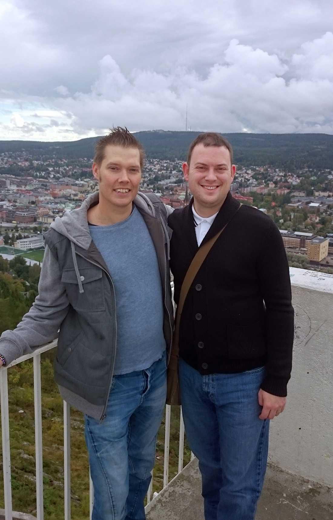 28-årige britten Matthew Prescott blev Lari Salminen räddning. I dag är de goda vänner.