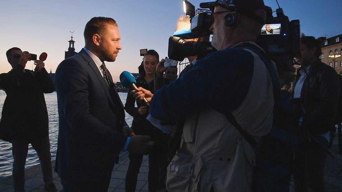Mattias Karlsson, som lämnar posten som gruppledare för SD för att starta en konservativ tankesmedja, porträtteras i en SVT-dokumentär.