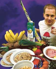 Sportbladets Kristoffer Bergström testar skidlandslagets mat under en dag.