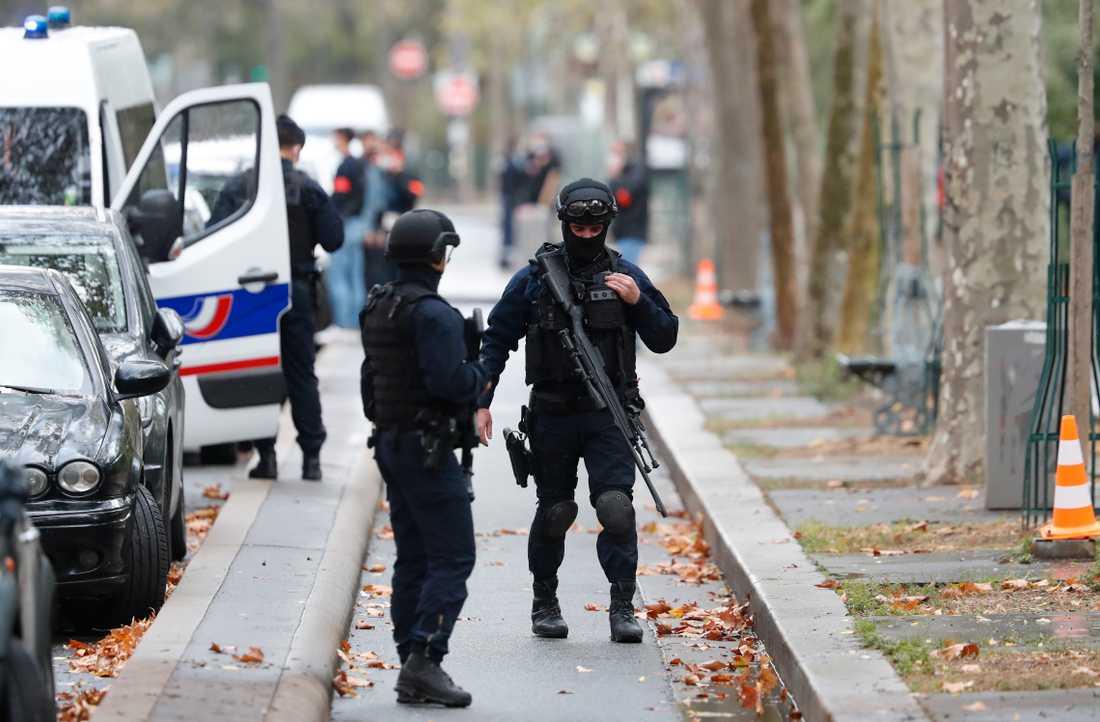 Den nya attacken ska ha ägt rum nära Charlie Hebdos forna lokaler.