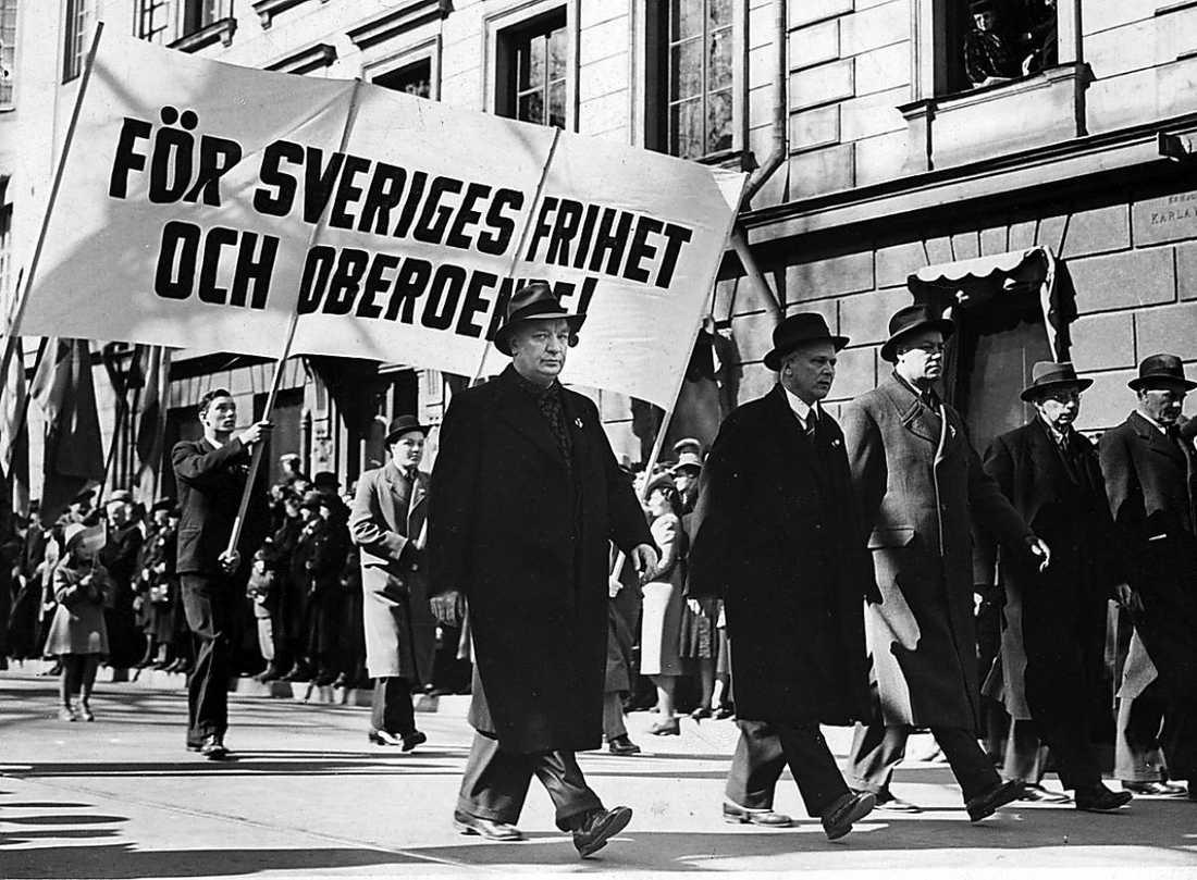 Folkhemsikonen och statsministern Per Albin Hansson på Stockholms gator 1941.
