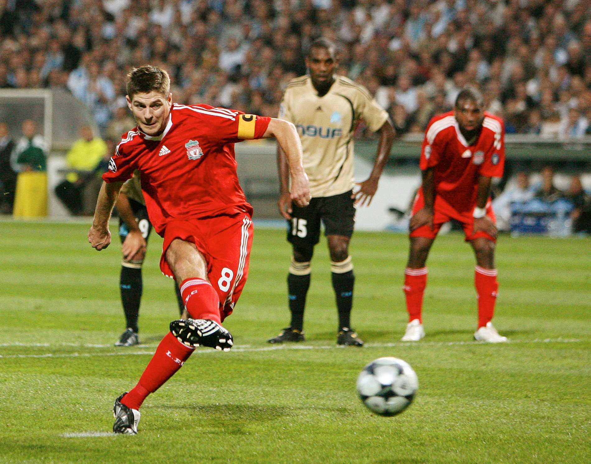 Gerrard krutar in en straff.