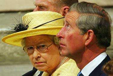 Drottning Elizabeth deltar inte i vigselceremonin mellan sonen prins Charles och Camilla Parker-Bowles.
