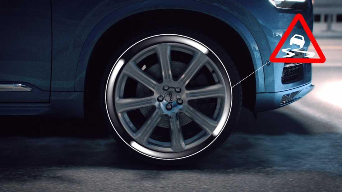 När en ny Volvo upptäcker att det är halt underlag, registrerar den det...