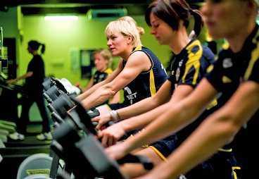 Landslagets veteran Kristin Bengtsson, 35, tar kritiken om förnyelse i laget med ro.