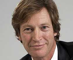 Jan Jernbeck, plastikkirurg vid Akademikliniken.