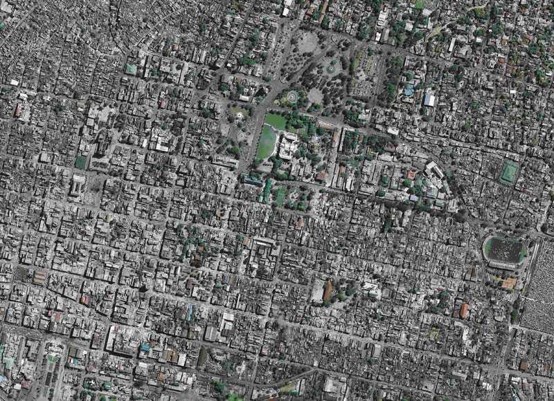 PORT-AU-PRINCE I DAG En satellitbild visar den enorma förödelsen i Haitis huvudstad. Över 100 000 människor befaras ha omkommit i jordbävningen.
