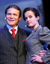 Per Moberg och Malin Berghagen i London The Musical.