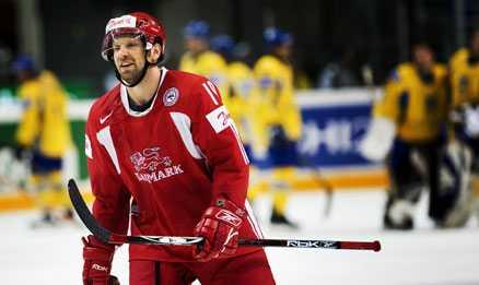 Glad matchhjälte. Kim Staal gjorde två av Danmarks mål i segermatchen över Ukraina.