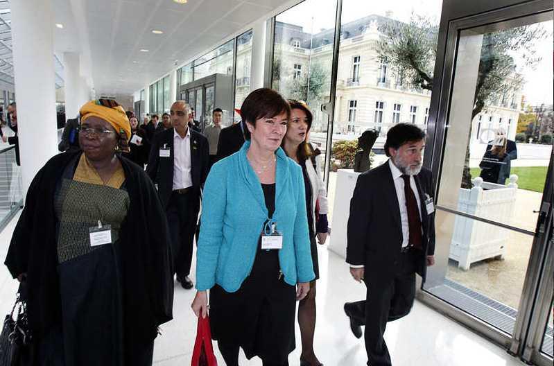Avgående S-ledaren Mona Sahlin är i Paris för att delta i en kongress.