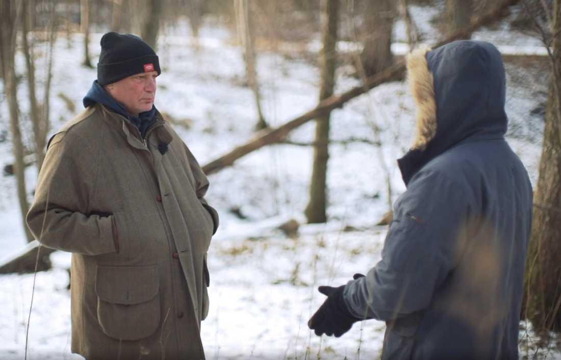 Richard berättar för 200 sekunders Robert Aschberg om hur familjen har tvingats att flytta runt.
