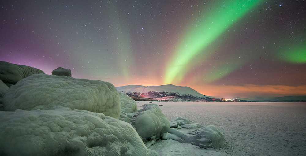 I Abisko kan du se fantastiskt norrsken.