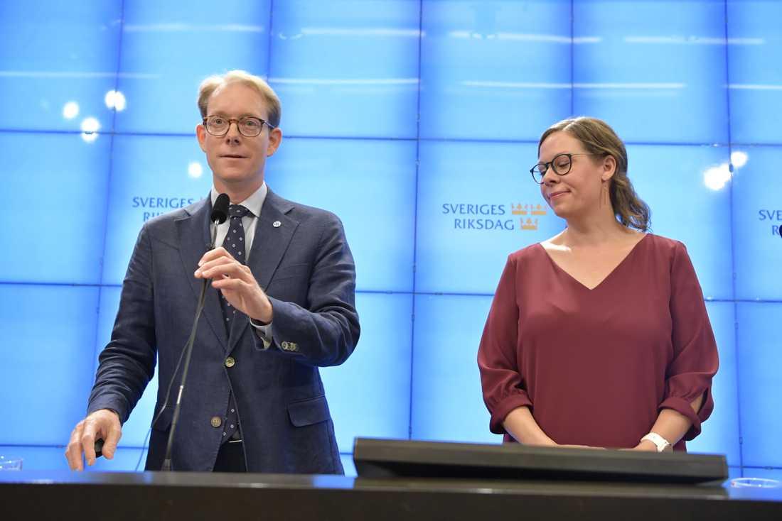 Moderaternas gruppledare i riksdagen Tobias Billström och partiets migrationspolitiska talesperson Maria Malmer Stenergard. Arkivbild.