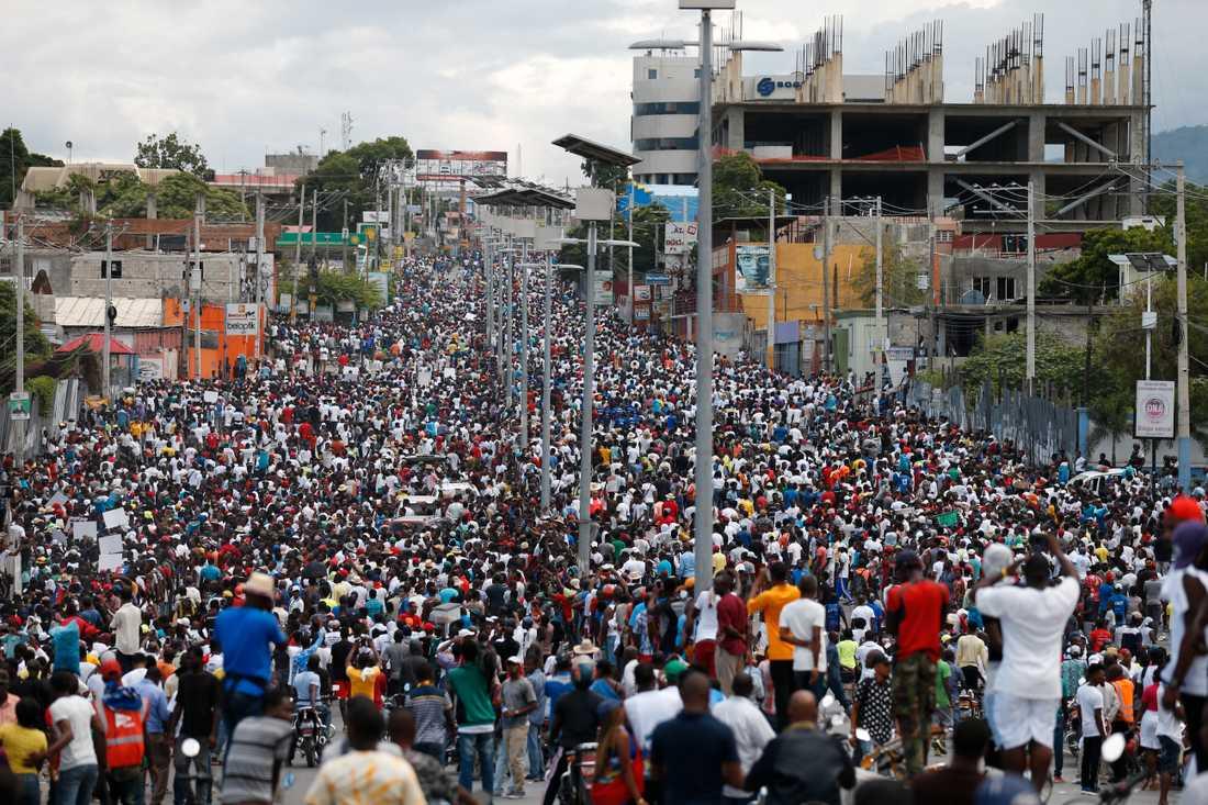 Protester mot Haitis president Jovenel Moïse i Port-au-Prince.