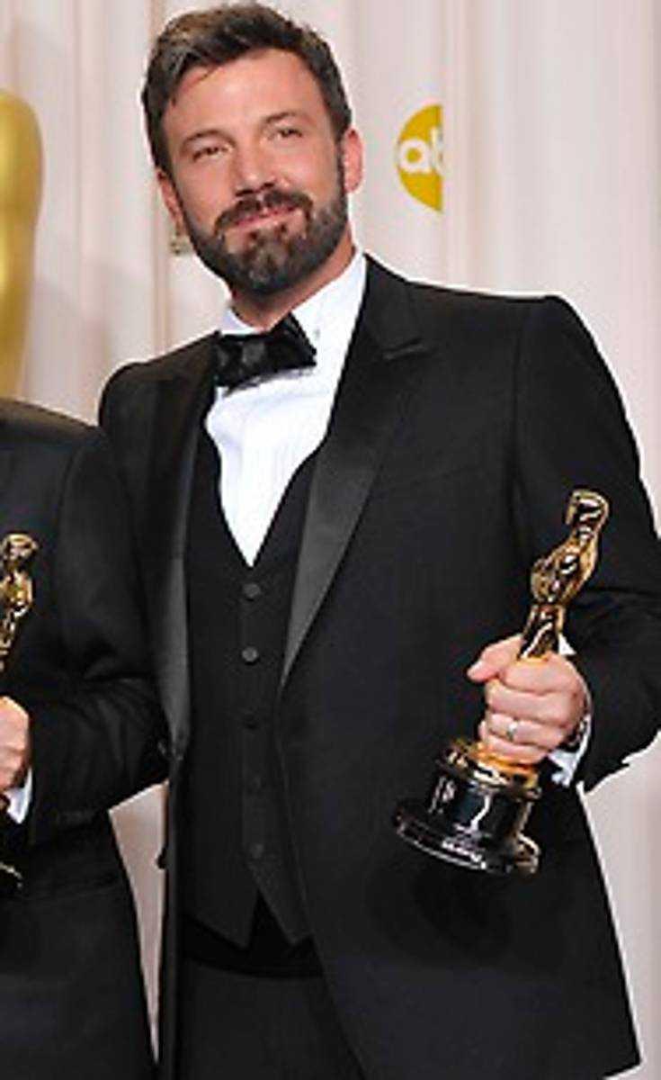 Ben  Affleck hytter med Oscarspriset