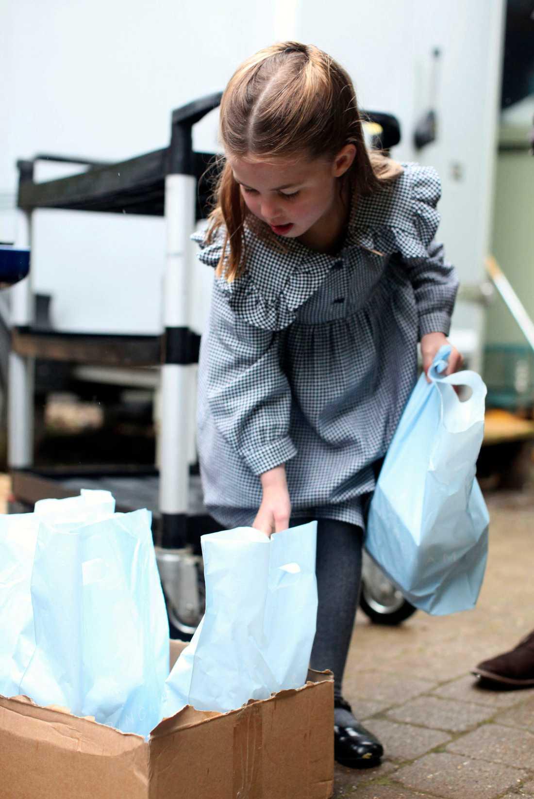 På lördagen fyllde prinsessan Charlotte fem år.