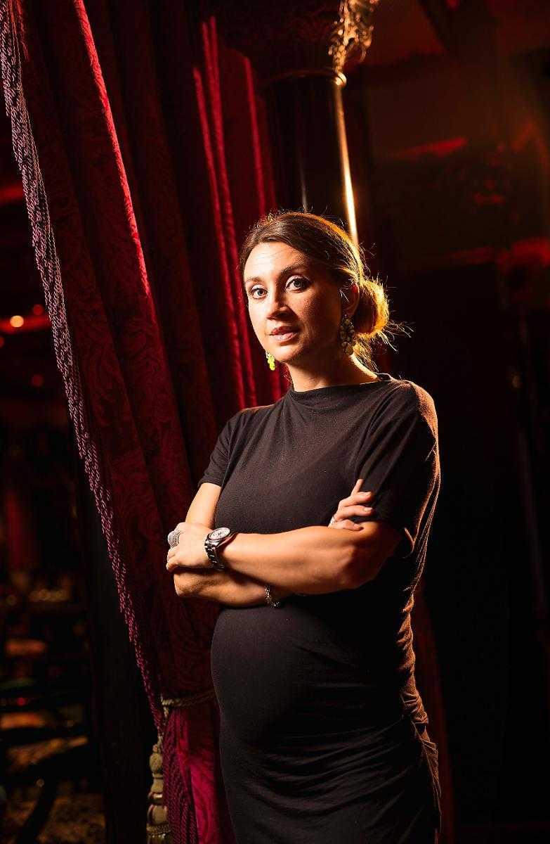 """cbe284de8320 """"SIMON BRYR SIG INTE FÖR FEM ÖRE"""" Camilla Läckberg säger att hon är  fascinerad"""