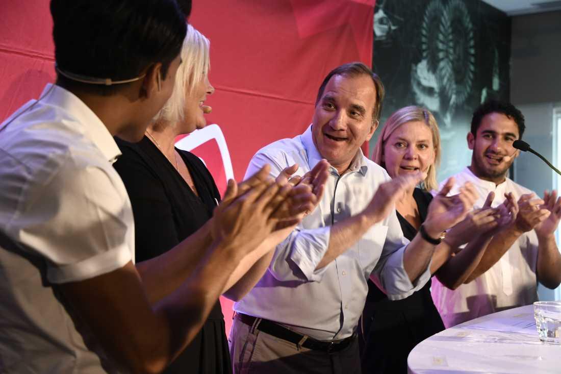 SSU:s förbundsordförande Philip Botström, partisekreterare Lena Rådström Baastad, statsminister Stefan Löfven, finansminister Magdalena Andersson och civilminister Ardalan Shekarabi.