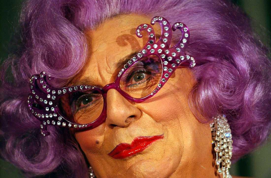 Dame Edna lägger av.