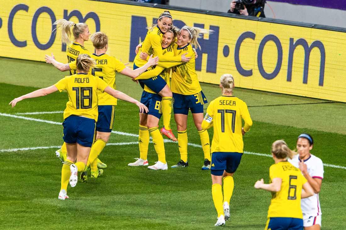 Lina Hurtig gjorde 1–0 för Sverige.
