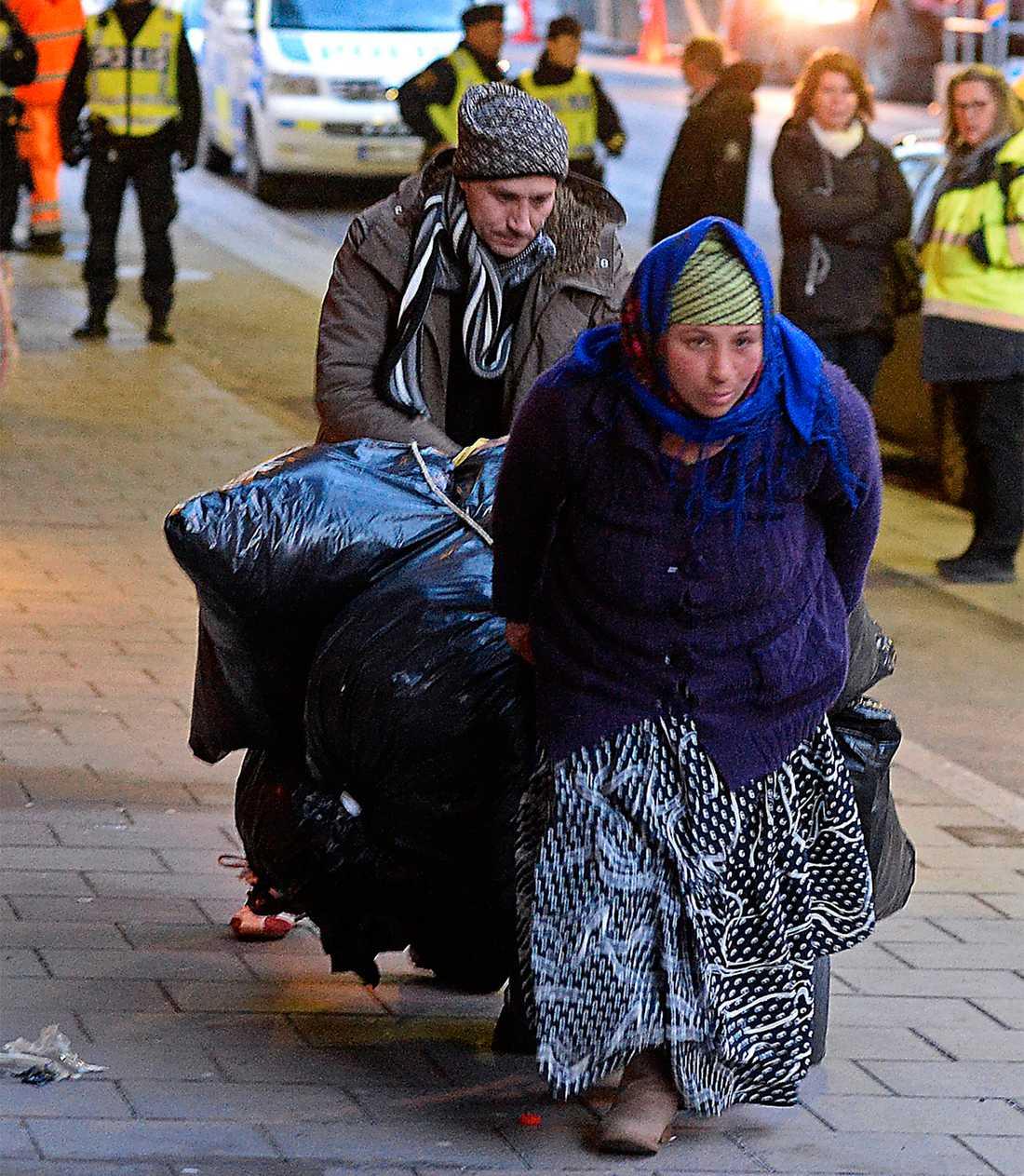 """nu EU-migranter avlyses från en tillfällig sovplats i centrala Stockholm. Dagens debatt om romerna låter tragiskt lik gamla tiders tal om """"zigenarplågan"""", skriver malin Krutmeijer. Foto: Per-Olof Sännås"""