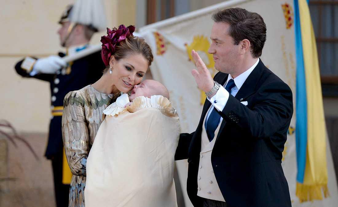 Prinsessan Madeleine valde en för utmärkande huvudbonad, tycker experten.