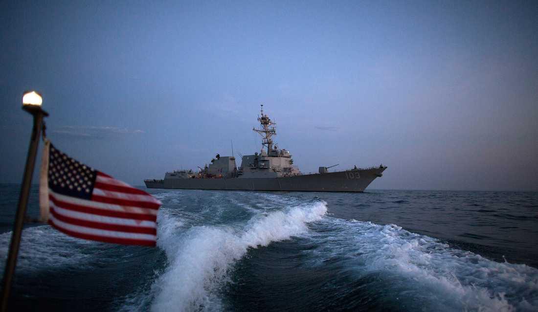 Amerikanska jagaren USS Truxtun.
