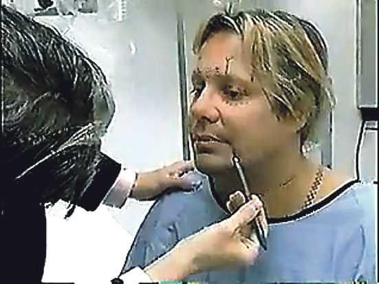 """I MTV:s realitysåpa """"Remaking Vince Neil"""" får vi se hur Mötley Crüe-sångaren lägger sig för kniven. Det var sex år sedan. Och han kan tänka sig att göra det igen – """"om det är vad som krävs"""", säger han till Nöjesbladet."""