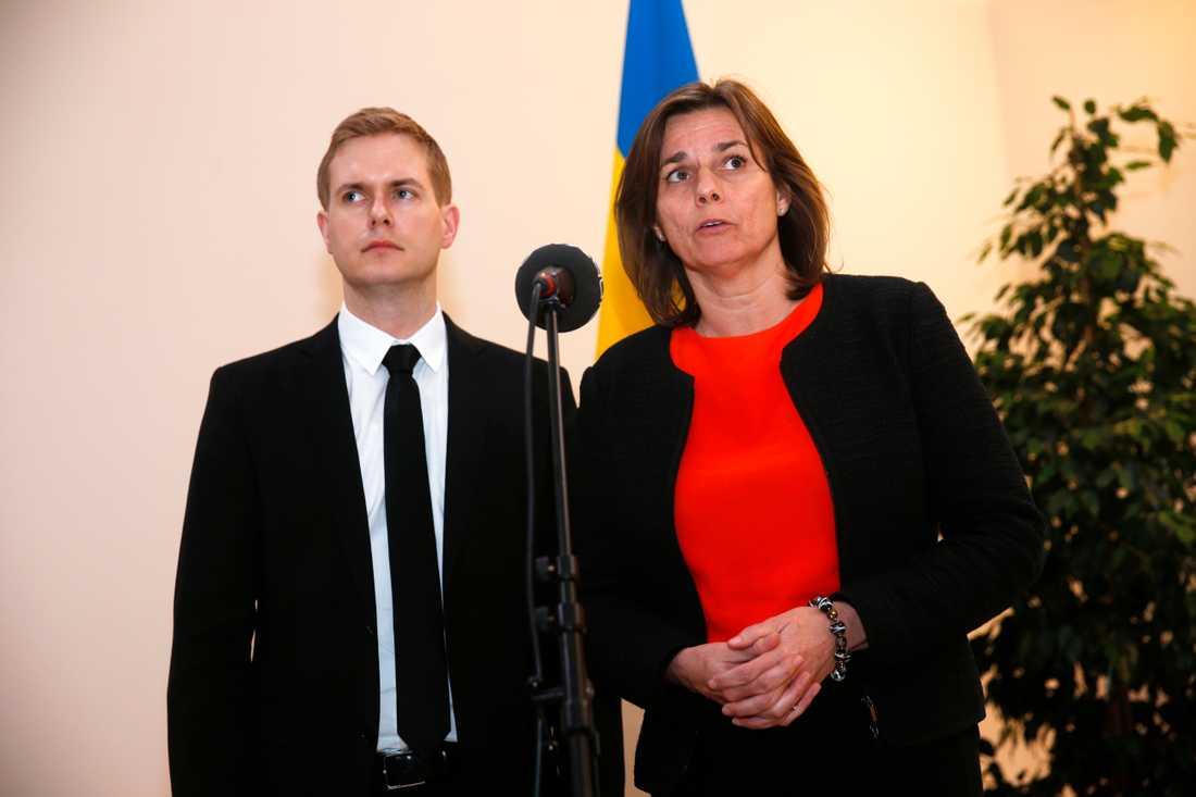 Gustav Fridolin och Isabella Lövin.
