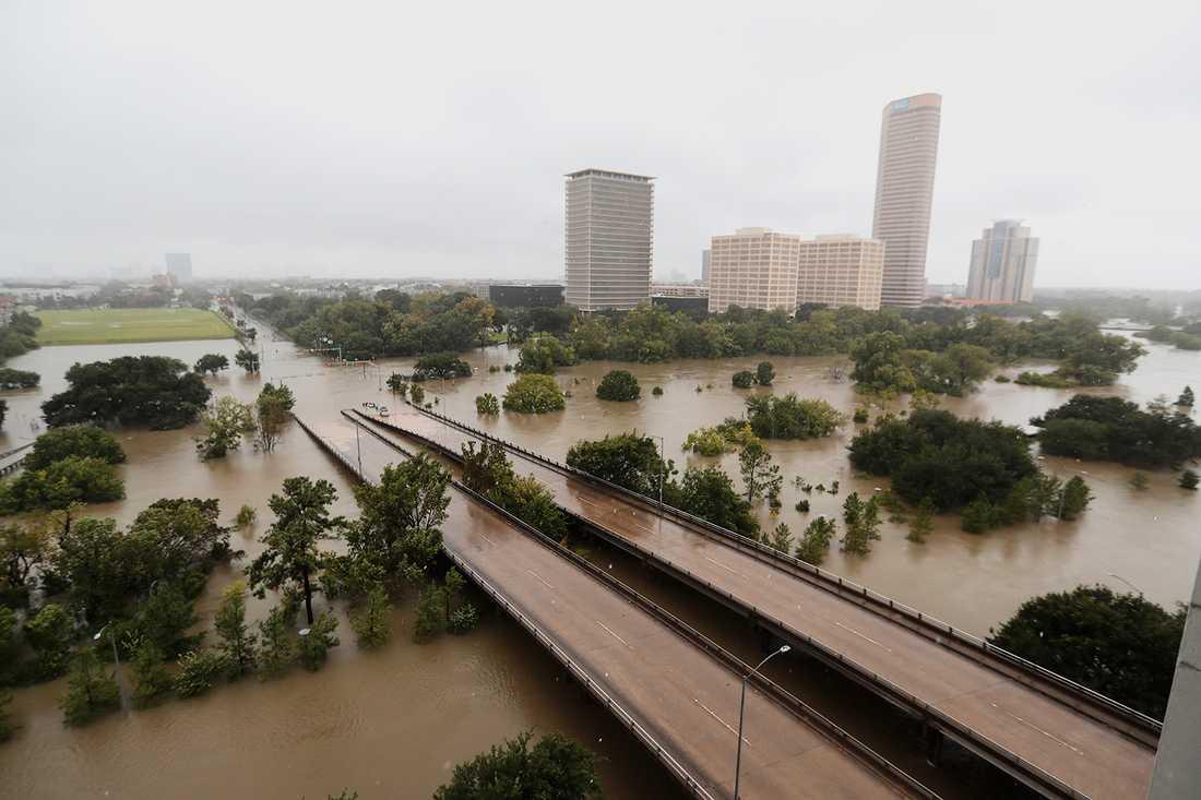 American General Center i Houston efter att orkanen dragit fram.