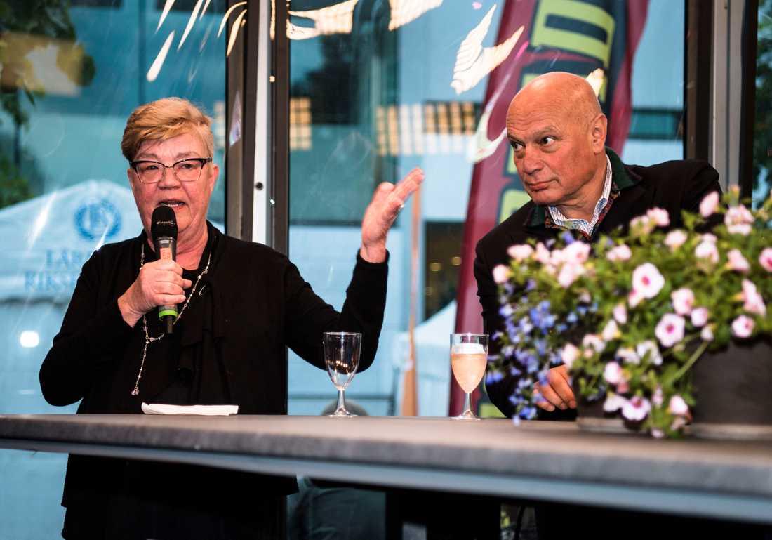 Lena Mellin och Robert Aschberg hälsade gästerna välkomna.