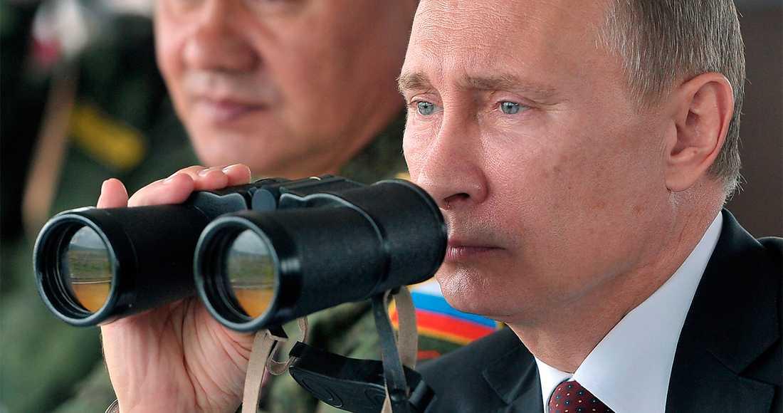 siktar på total kontroll  President Putin ryktas planera för att kunna släcka internet. Målet är total informationssuveränitet. Foto: AP