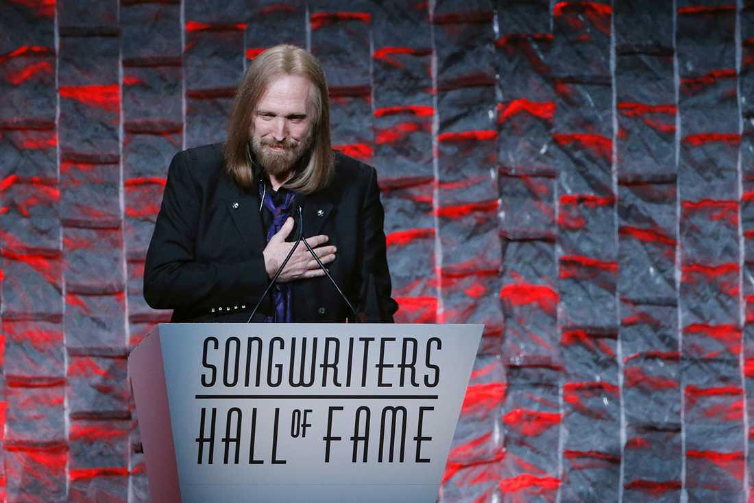 I juni förra året antogs Tom Petty till låtskrivarnas Hall of Fame.