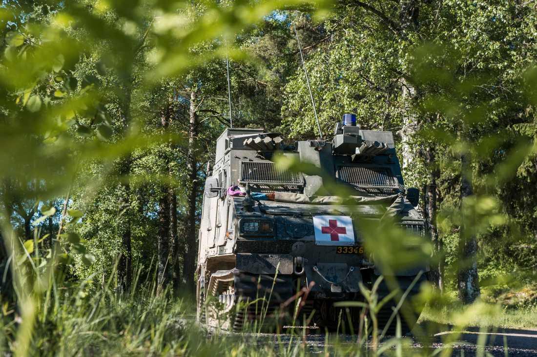 Försvaret skickar bandvagn 410 till branden i Ljusdal.