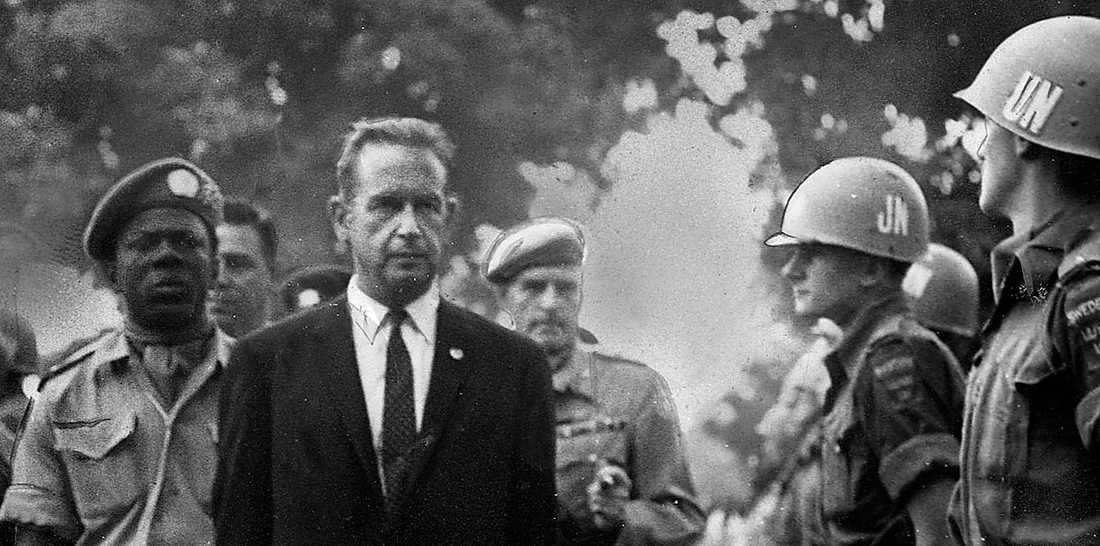 FN-CHEF 1953–1961 Dag Hammarskjöld, FN:s generalsekreterare inspekterar ett svenskt FNkompani i Kongo 1960.