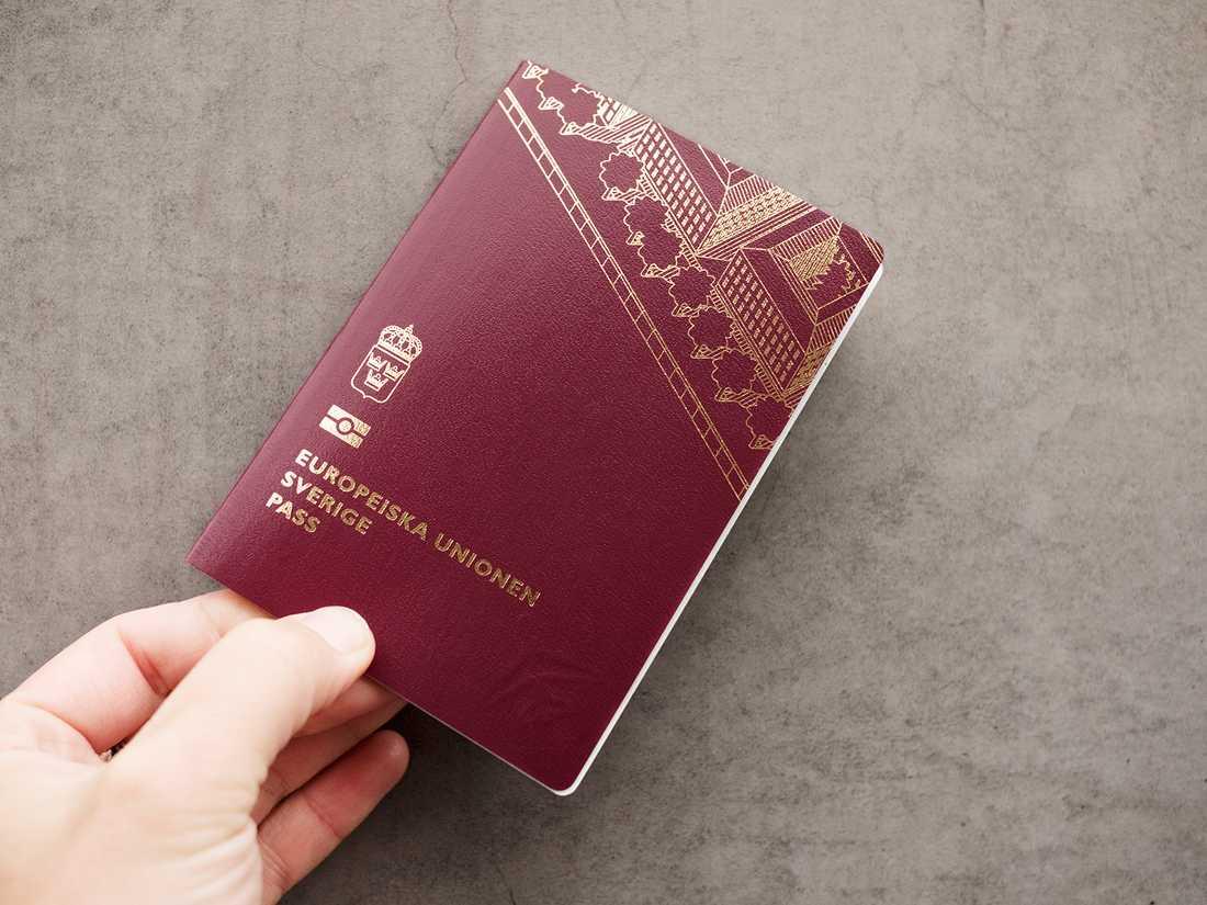 Nu uppmanar svensk polis hundratusentals resenärer att kontrollera sina pass inför semesterresan. Turkiet släpper nämligen inte längre in svenskar med pass vars giltighet är kortare än sex månader.